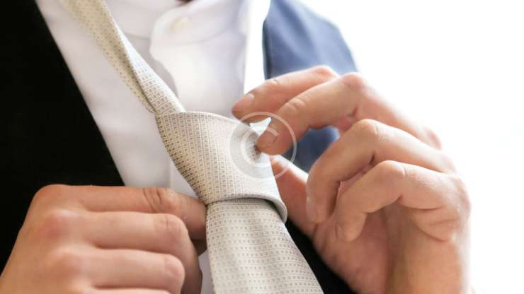 How to Properly Button Suit Jackets & Blazers.
